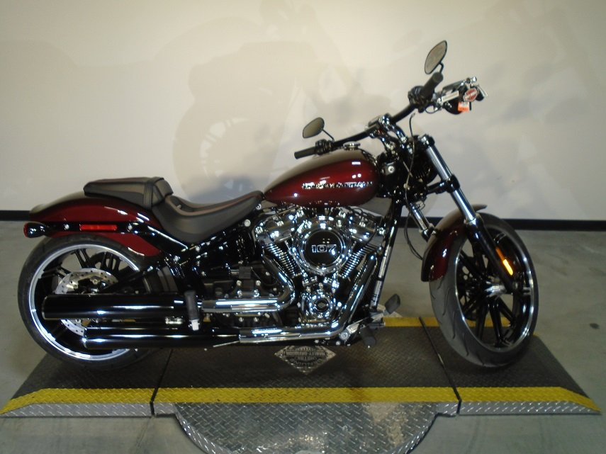 new 2018 harley davidson softail breakout fxbr softail in golden 18fxbrchrry avalanche harley. Black Bedroom Furniture Sets. Home Design Ideas