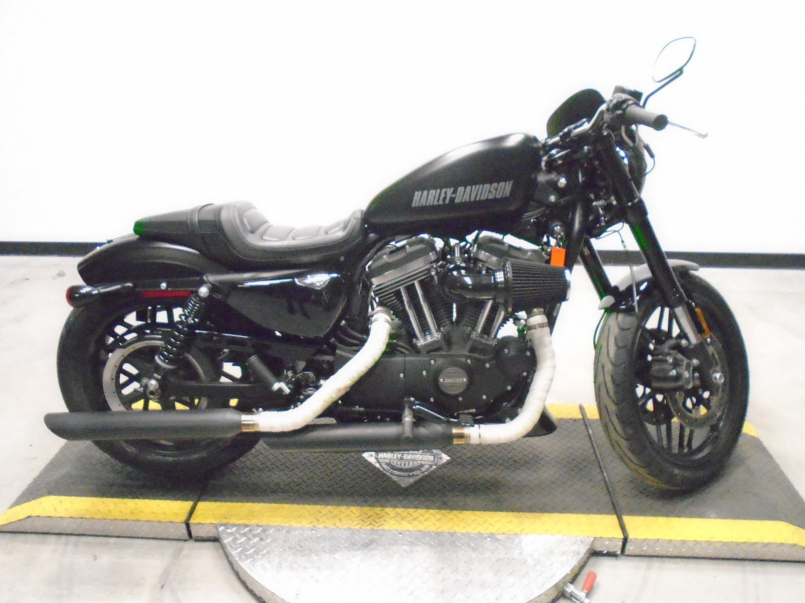 Pre Owned 2017 Harley Davidson Sportster Roadster XL1200CX