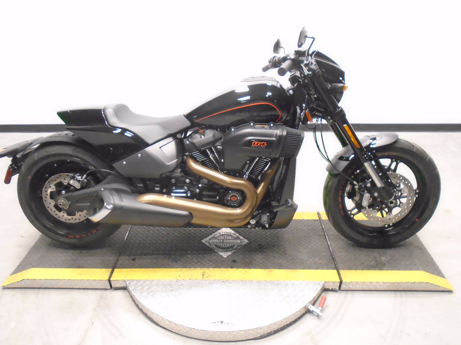 Pre-Owned 2019 Harley-Davidson Softail FXDRS 114