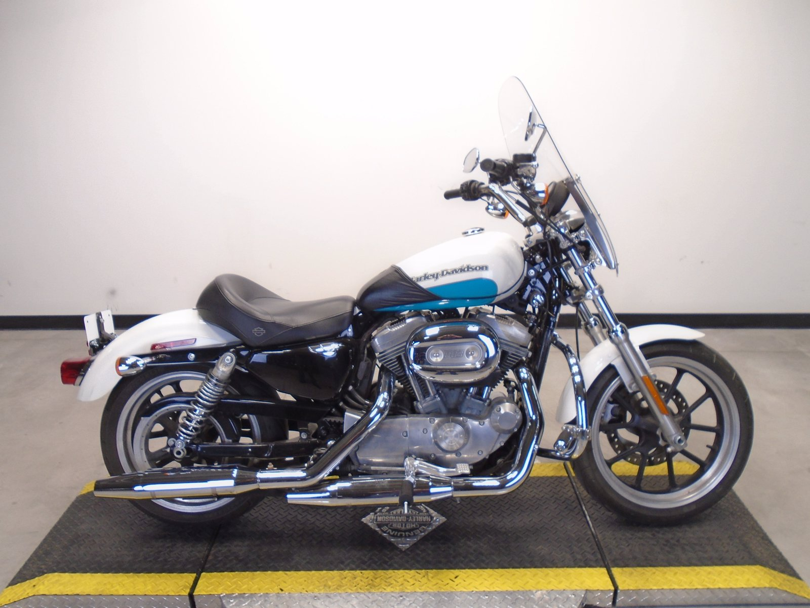Pre-Owned 2017 Harley-Davidson Sportster 883 Superlow XL883L