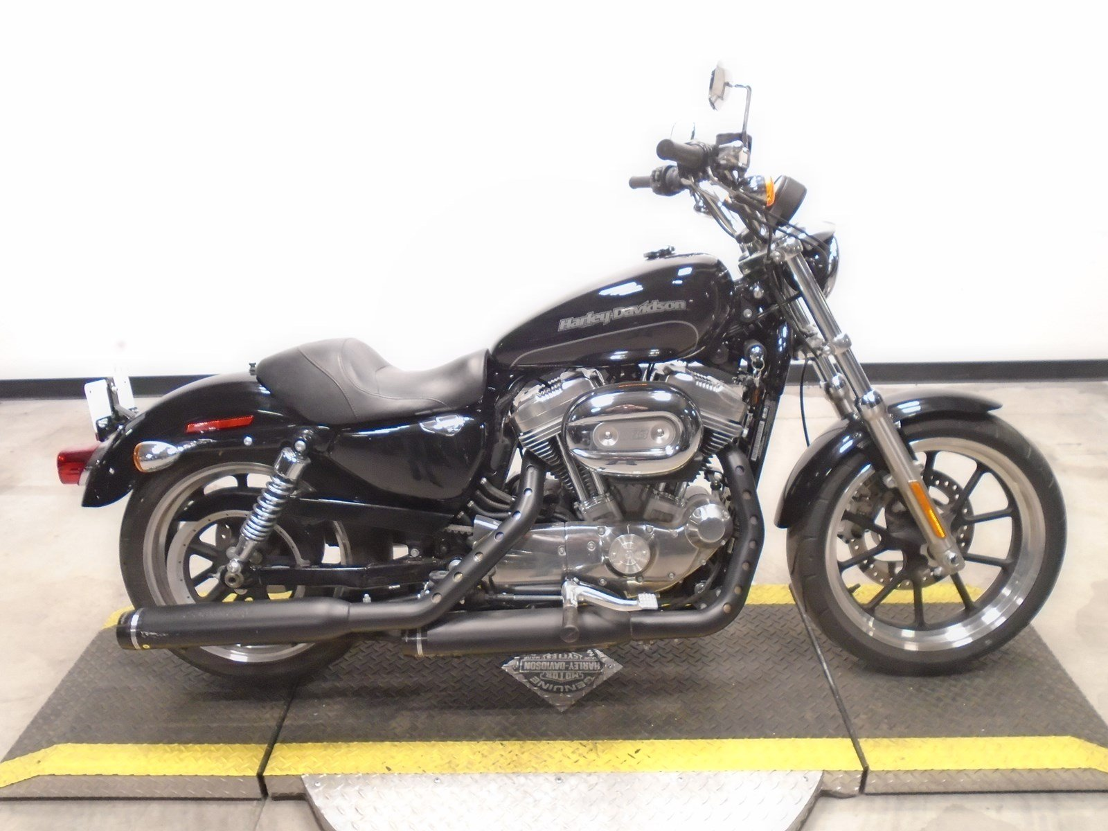 Pre-Owned 2015 Harley-Davidson Sportster 883 Superlow XL883L