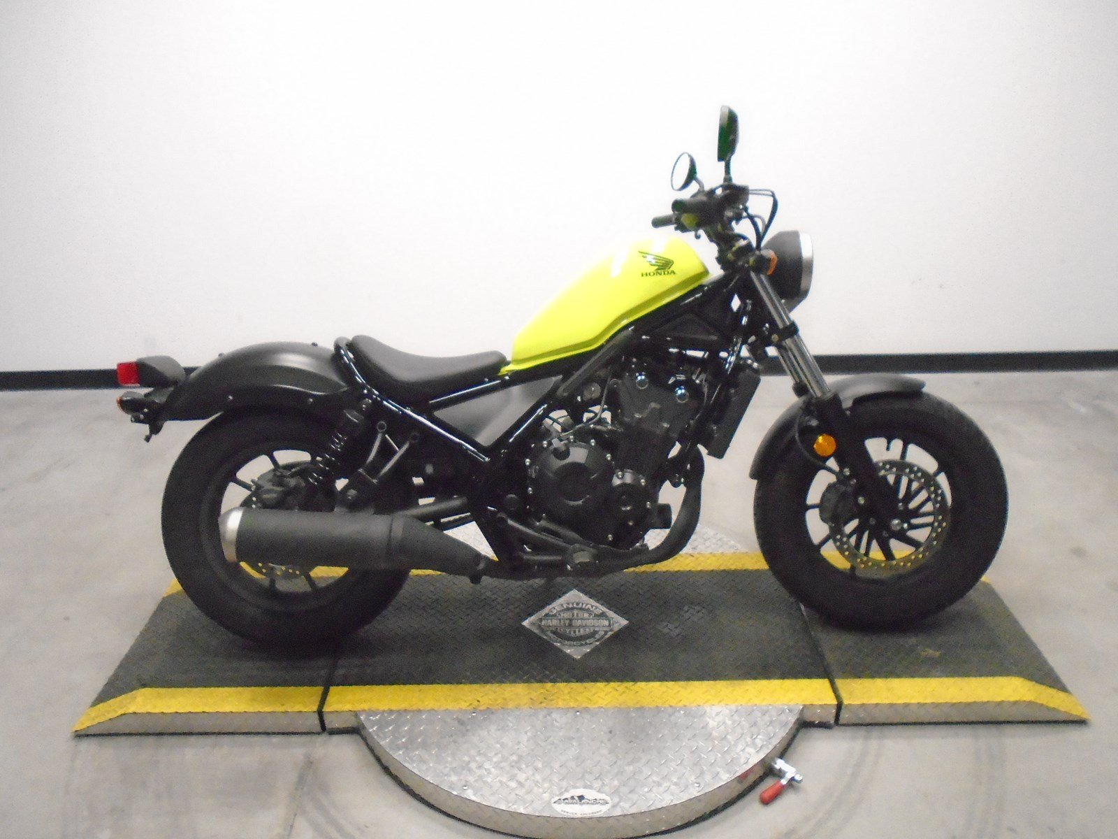 Pre-Owned 2017 Honda Rebel CMX500