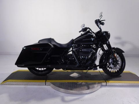 New 2018 Harley-Davidson Road King Special FLHRXS