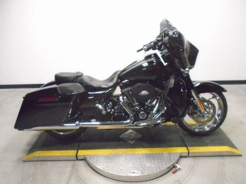Pre-Owned 2015 Harley-Davidson Street Glide CVO FLHXSE CVO/Touring